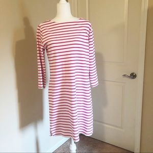 Vineyard Vines split hem long sleeve dress
